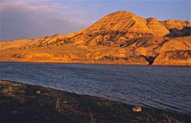 Montana Canoeing Tours Upper Missouri River Guided